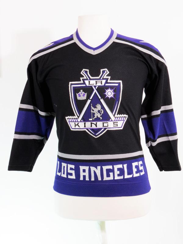 la kings purple jersey