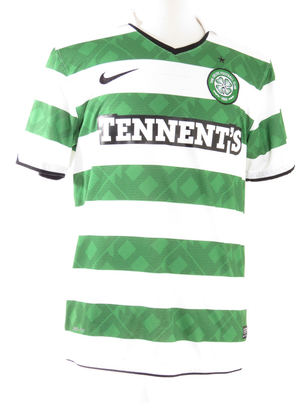 reputable site 31c4c a32e9 Nike Celtic FC Striped Soccer Jersey